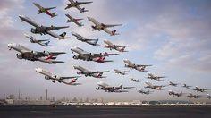 【圧巻】同じ場所、同じ日の飛行機を撮り続けて、つなぎ合わせたらこうなった(9枚) | COROBUZZ