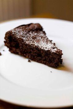 5 ingredients flourless chocolate cake #glutenfree