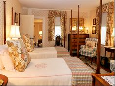 Pretty guest room!