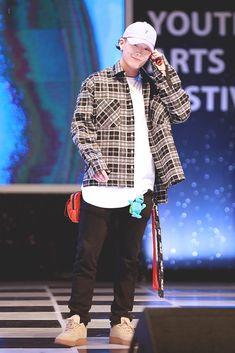 Yg Ikon, Chanwoo Ikon, Ikon Kpop, Fashion Idol, Kpop Fashion, Street Fashion, K Pop, Bobby, Rapper