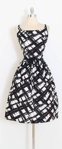 689481a1 Klassiske Kjoler 1950'erne, Drømmekjole, Søde Kjoler, Elegante Kjoler,  Kjolemønstre,