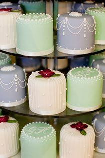 Mini cakes - colour combo