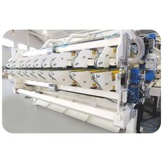 Auto Stripper Counter Slitter Machine  ● Antistatic transversal brush for further product cleaning  ● Sheets coming from the stripper unir are transported at the speed of the machine.  ● No-crash wheels system at the end of the belts for proper entrance into stacking area.   http://klcartonmachinery.com/auto-stripper-counter-slitter-machine