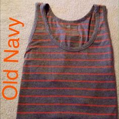 """Loose Fitting Tank/Tunic Plus Size This tank is like new. Never worn. Measures 26"""" underarm to underarm and is 31"""" long Old Navy Tops Tank Tops"""