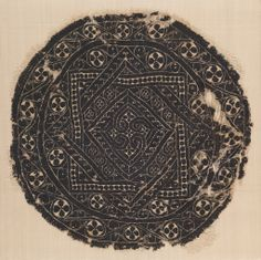Medallion, 3rd–4th century Medium: linen warp, linen and wool wefts Technique: plain weave with discontinuous wefts (tapestry); open slits.