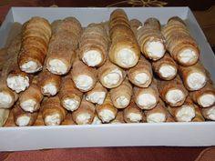 Ciasteczka weselne - rurki w całej krasie :)) No Bake Cookies, Baking Cookies, Polish Recipes, Sausage, Muffins, Cupcakes, Bread, Cheese, Food