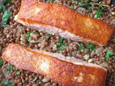One-Pot Crispy Salmon With Mustardy Lentils | 19 Quick And Healthy Salmon Dinners That Anybody Can Make