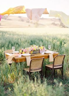 There is just something about dining in a field that I find really appealing.