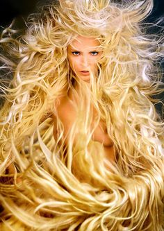 Nadja Auermann by Richard Avedon for Pirelli Calendar 1995 Richard Avedon, Nadja Auermann, Mythological Creatures, Mythical Creatures, Photoshop, Tatiana Patitz, Pirelli Calendar, Art Magique, Asatru