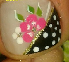 Nails Pedicure Nail Designs, Pedicure Nail Art, Toe Nail Designs, Toe Nail Art, Feet Nails, My Nails, Nails Only, Types Of Nails, Flower Nails