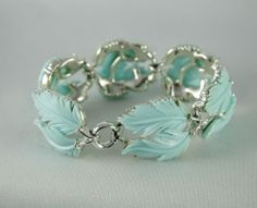 Signed Lisner Bracelet Thermoset Carved Leaf Blue Silver Tone