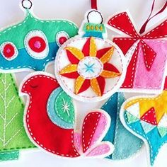 Christmas Countdown, day 13: Sweet ornament patterns with a vintage look by artist Erica Hite on Etsy. Featured on the blog today!  www.feelingstitchy.com  #embroidery #felt #ornaments #patterns #etsy #crafting #Christmas #holiday #handmade #vintage #christmascountdown #xmascountdown #ericahite #feelingstitchy