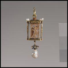 Pendant century probably Mexican Crystal, enamel, gold, pearls, boxwood Renaissance Jewelry, Medieval Jewelry, Ancient Jewelry, Antique Jewelry, Gold Jewelry, Vintage Jewelry, Jewellery, Renaissance Era, Roman Jewelry