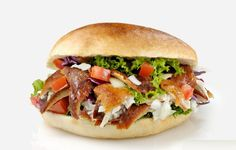 Doner Kebab was found by a Turk who lived in Germany. Since the it is one of the most popular food in Europe. Most Dutch people call us therefore ''Kebab vreters''. Turkish Recipes, Ethnic Recipes, Oriental, Kebabs, Falafel, Popular Recipes, Popular Food, Pulled Pork, Salmon Burgers