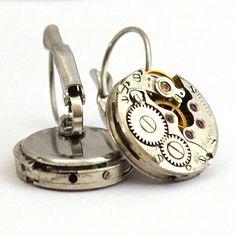 Steampunk øredobber. Alarm Clock, Pocket Watch, Steampunk, Watches, Accessories, Projection Alarm Clock, Alarm Clocks, Clocks, Pocket Watches