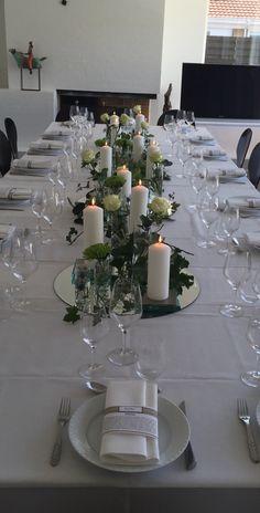 Bord deko til konfirmation Communion, Table Settings, Table Decorations, Party, Flowers, Wedding, Home Decor, Cakes, Flower Decorations