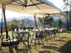emu CAMBI ROUND TABLE M / エミュー カンビ ラウンドテーブル M - インテリア・家具通販【FLYMEe】 Outdoor Furniture, Outdoor Decor, Restaurant Bar, Chair Design, Resorts, Terrace, Oriental, Patio, Instagram Posts