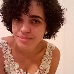 Good Night for you guys!! 😚 #cachoeatitude #instacachos #instacurly #curlyhair #cachinhos #buenasnoches #fui...