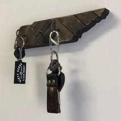 Handmade, custom Tennessee key or necklace/jewelry holder. Jewelry Rack, Key Jewelry, Jewelry Holder, Jewelry Necklaces, Tennessee Map, Metal Art, Personalized Items, Wood, Leather