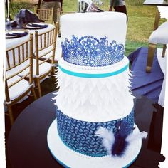 Tswana inspired cake made by Puleng Shiburi – Gâteau Mariage African Traditional Wedding Dress, Traditional Wedding Decor, Traditional Cakes, Traditional Gowns, Cakes To Make, How To Make Cake, African Wedding Cakes, African Print Wedding Dress, Elegant Birthday Cakes