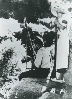 Miliciano armado.