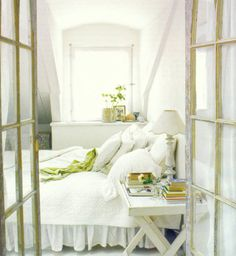 Love the simplicity, the white and green, and ... the books!
