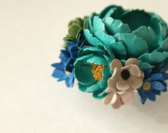 Bon Bon La Fleur 2 inch Round Paper Floral Brooch Flower Pin In Teal and Royal Blue