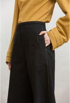 Lemaire Fashion Details, Fashion Photo, Love Fashion, Fashion Outfits, Womens Fashion, Fashion Design, Future Fashion, Minimal Chic, Skirt Pants