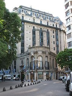 Hotel Marriott Plaza, frente a Plaza San Martin - Argentina Plaza Hotel, Most Beautiful Cities, Wonderful Places, Argentine Buenos Aires, Places Around The World, Around The Worlds, Visit Argentina, Second Empire, Le Palais