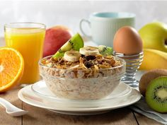 If you want to lose weight, it's important that your breakfast gives you enough energy to face the day. At the same time, it needs to be satisfying so you don't snack between meals. Eat Breakfast, Healthy Breakfast Recipes, Healthy Eating, Healthy Recipes, Breakfast Ideas, Healthy Foods, Healthiest Foods, Protein Breakfast, Morning Breakfast