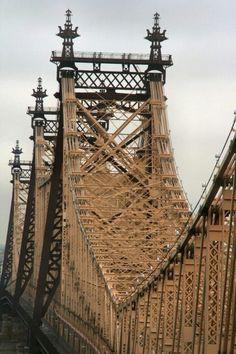 QUEENSBORO BRIDGE | MANHATTAN & QUEENS | NEW YORK CITY | USA: *Cantilever bridge crossing the East River, connecting Manhattan and Queens; Road bridge*