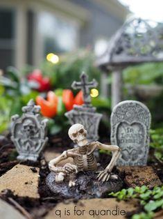 a spooky fairy garden. a spooky fairy garden. – q is for quandie Garden Mats, Witch's Garden, Fairies Garden, Halloween Fairy, Halloween Town, Garden Terrarium, Terrariums, Fairy Doors, Fairy Garden Accessories