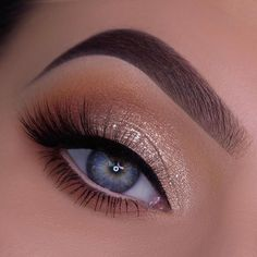 Gorgeous makeup looks are passionate and unrestrained. And make you look energetic. Careful make-up every day can keep you in a positive mood. Cute Eye Makeup, Cute Makeup Looks, Creative Eye Makeup, Makeup Eye Looks, Pink Eye Makeup, Eye Makeup Art, Beautiful Eye Makeup, Pretty Makeup, Glam Makeup