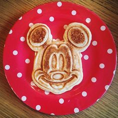 Um, yup....it works #MickeyMouseWaffleMaker #NoGoingBack (.....Happy Sunday folks!!!)