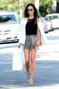 How to get this chic black and white street style look.