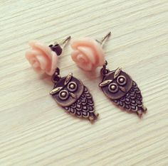 the owls go -earrings (bronze owl charms pink rose cabochon)
