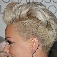 Pink Haircut, Haircut And Color, Pixie Hairstyles, Cool Hairstyles, Haircuts, Pelo Pixie, Edgy Hair, Great Hair, Hair Day