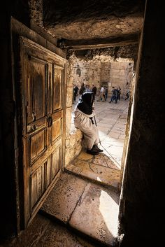 "The Doorkeeper . Jerusalem Mar 13:34 ""It is like a man going to a far country, who left his house and gave authority to his servants, and to each his work, and commanded the doorkeeper to watch. Jhn 10:3 ""To him the doorkeeper opens, and the sheep hear his voice; and he calls his own sheep by name and leads them out."