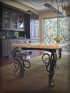 The color on the remarkable iron legged table. CL think about painting your chairs and table a dark grey. Adding a new top would give a a great look without buying a new one Iron Furniture, Unique Furniture, Industrial Furniture, Custom Furniture, Furniture Design, Furniture Removal, Muebles Estilo Art Nouveau, Blacksmith Projects, Iron Table