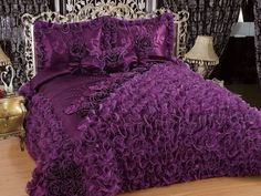 Luxury Bedspreads, Luxury Bedding, Lavender Room, Royal Bedroom, Royal Furniture, Purple Bedding, Stylish Beds, Deco Table, Awesome Bedrooms