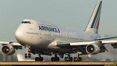 Air France Boeing 747-428 (registered F-GITJ) touching down at Paris-Roissy/Charles de Gaulle