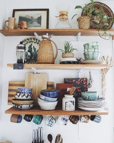 home decor kitchen // open shelving Home Decor Kitchen, Kitchen Interior, Home Kitchens, Rustic Kitchen, Bohemian Kitchen Decor, Bohemian Decor, Küchen Design, House Design, Interior Decorating
