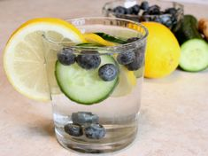Skinny Water!    Detox water great for fighting belly fat!
