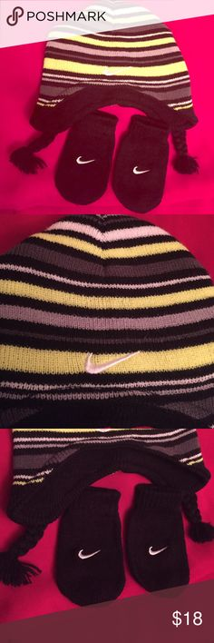 🆕 Nike Infant Hat & Mitten Set Authentic Nike Baby Hat and Mitten Set. 12-24 Mos. Brand New. Excellent Condition. No Trades. SELLING ONLY AS A SET. Nike Accessories Hats
