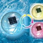 Now you can use the space age technology of solar cells to create a fountain of light in your pool at night with our Floating Color Changing Solar Rainbow Light. Continuously changes color to create fascinating lighting effects. Swimming Pool Fountains, Swimming Pool Chlorine, Swimming Pool Pond, Pond Fountains, Solar Pool Lights, Outdoor Pool Shower, Pool Heater, Spa Water, Rainbow Light