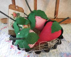 Primitive Folkart Strawberries Kitchen Home Decor in Vintage #auntiemeowsprims on Etsy