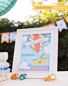 DIY Hot Air Balloon Diaper Cake Tutorial + Free Printables from HWTM and Huggies Baby Shower Planner. Baby Shower Planner, Baby Shower Printables, Party Printables, Free Printables, Diaper Cakes Tutorial, Cake Tutorial, Diy Hot Air Balloons, Baby Shower Signs, Baby Shower Balloons