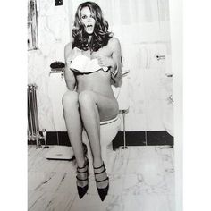 Elle MacPherson (Photography by Ellen von Unwerth) Ellen Von Unwerth, Elle Macpherson, Cure For Constipation, Jessica Chastain, Photos, Pictures, The Ordinary, Female Models, Supermodels