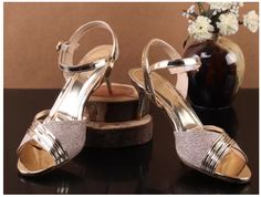 Unze London is a very famous brand of Shoes, bags & much more. Buy Shoes Online in London, Fast and free delivery. Free returns and price match guarantee. Online Shopping Shoes, Buy Shoes Online, London, Famous Brands, Casual Shoes, Slippers, Sandals, Stylish, Free Delivery