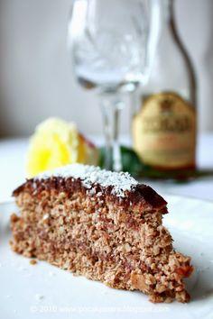 Pocak Panna paleo konyhája: Kókuszos diótorta, csokoládé krémmel: mert minden szülinapra kell egy torta! (glutén-, laktóz-, és cukor mentes)